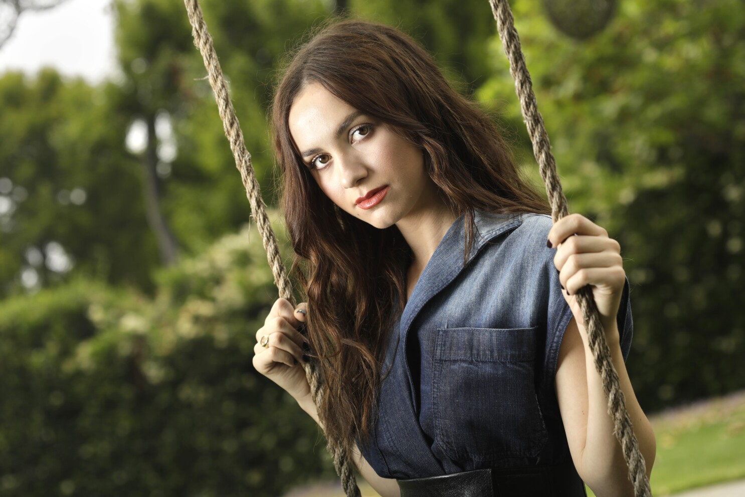 Maude Apatow Co Stars In The King Of Staten Island Los Angeles Times