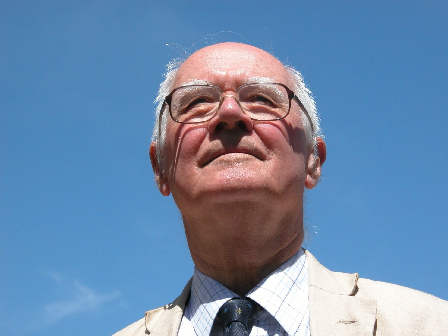 John Polkinghorne, Distinguished Anglican Priest and Physicist, Dies at 90
