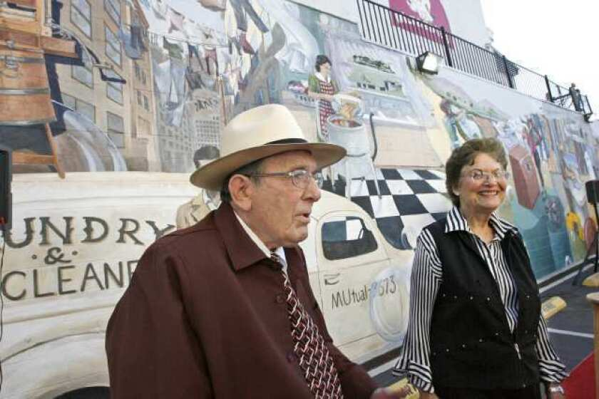 Burbank dry cleaner takes customers back with mural