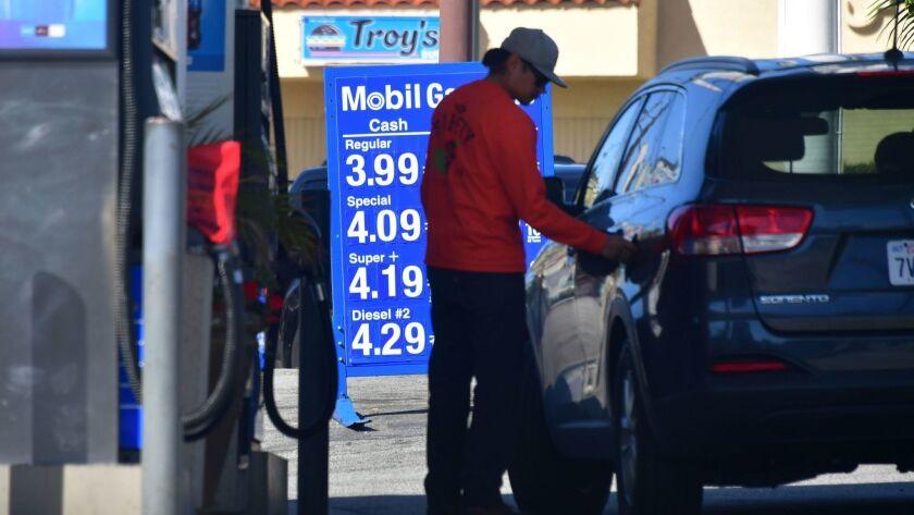 US-TRANSPORT-ECONOMY-GAS