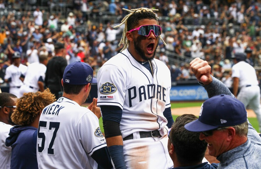 sd_sp_pads_brewers_0619C_07-005545832