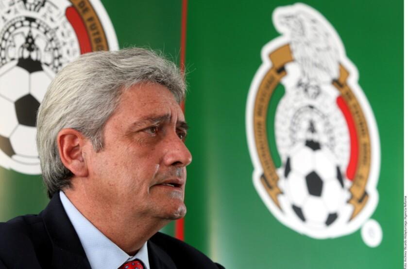 Alberto de la Torre, ex presidente de la FMF, piensa que tiene que venir una reestructuración muy importante en el fútbol a nivel Confederaciones.