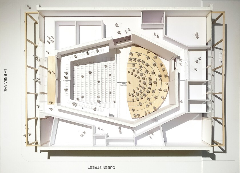 la-et-cm-yola-center