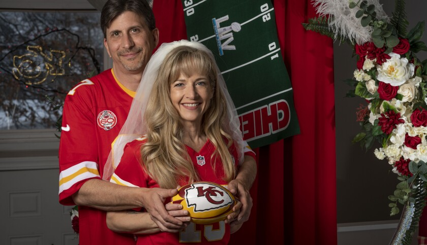 Chiefs fans Rob Walkowiak and Nikki Bailey are getting married on Super Sunday.