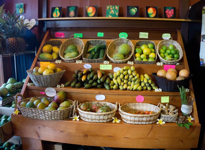 Depending on the season, the Kohala Grown Market in Hawi on the northern tip of the Kohala Peninsula on Hawaii's Big Island sells papayas, mangoes, soursop, ulu (breadfruit), dragonfruit, apple bananas, red Cuban bananas, asparagus, tomatoes, ginger root, cucumbers, ruby-red grapefruit and organic oranges, lemons and limes.