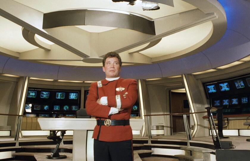 En esta foto de 1988, el actor William Shatner, vestido como el capitán James T. Kirk