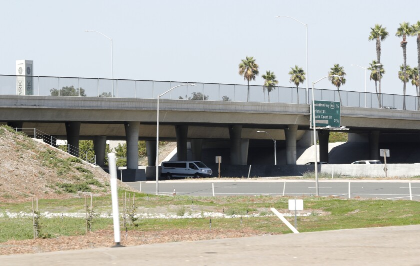 The MacArthur Blvd overpass above the 405 Freeway, where a man reportedly jumped to his death Monday morning.