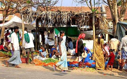 Monday Market at Jakkanahalli
