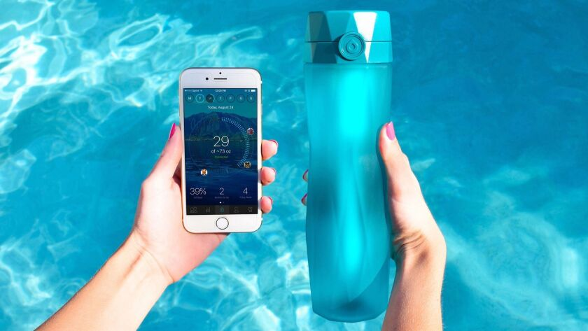 Teal Hidrate Spark 2.0 water bottle with app preview. Credit: Hidrate Inc.