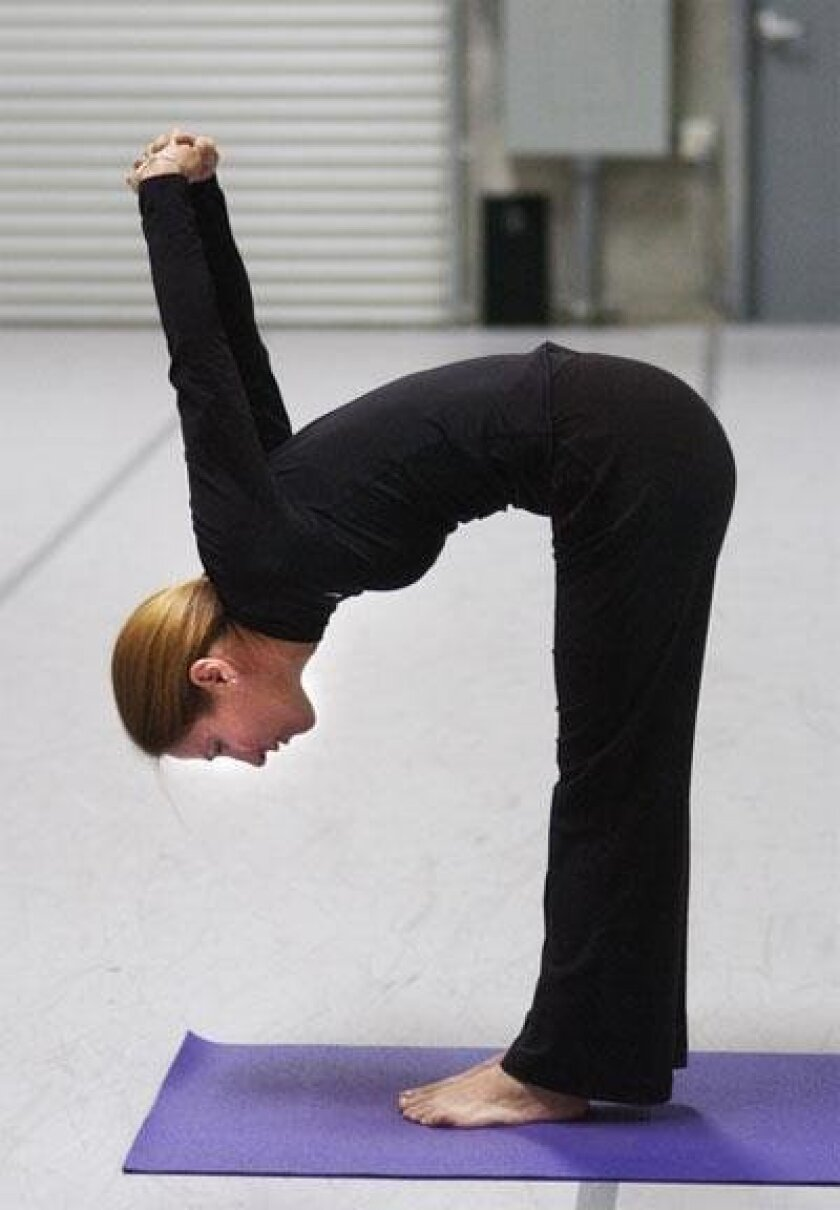 Strike A Pose Yoga Offers Way To Unwind Stay Flexible The San Diego Union Tribune
