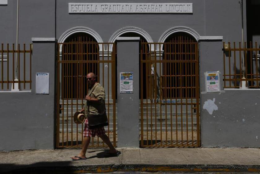 """El Plan de reforma del sistema educativo público del Gobernador de Puerto Rico, Ricardo Rosselló, """"en lugar de fortalecer nuestro sistema de educación, implica el desmantelamiento del mismo"""", dijo hoy el portavoz senatorial del Partido Independentista Puertorriqueño (PIP), Juan Dalmau Ramírez. EFE/Archivo"""