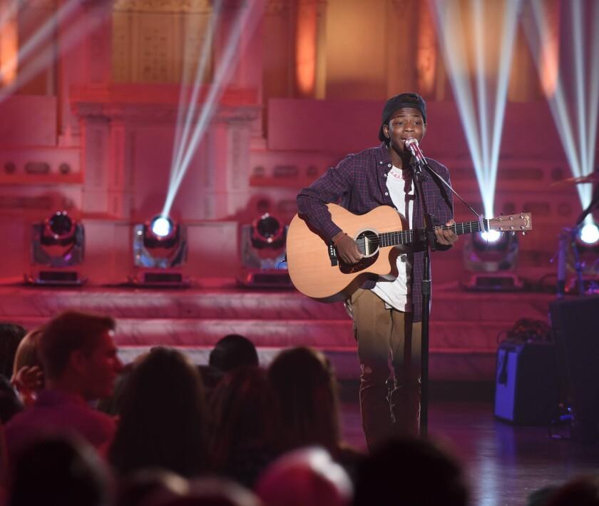 Lee Jean competes 'American Idol'