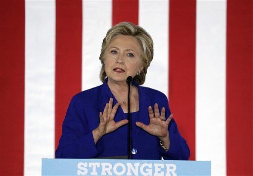 La candidata demócrata a la Casa Blanca, Hillary Clinton, se ha convertido en la primera mujer que llega a la portada de un medio ultraortodoxo en Israel, en los que no suelen publicarse fotos de mujeres por decoro y tradición.