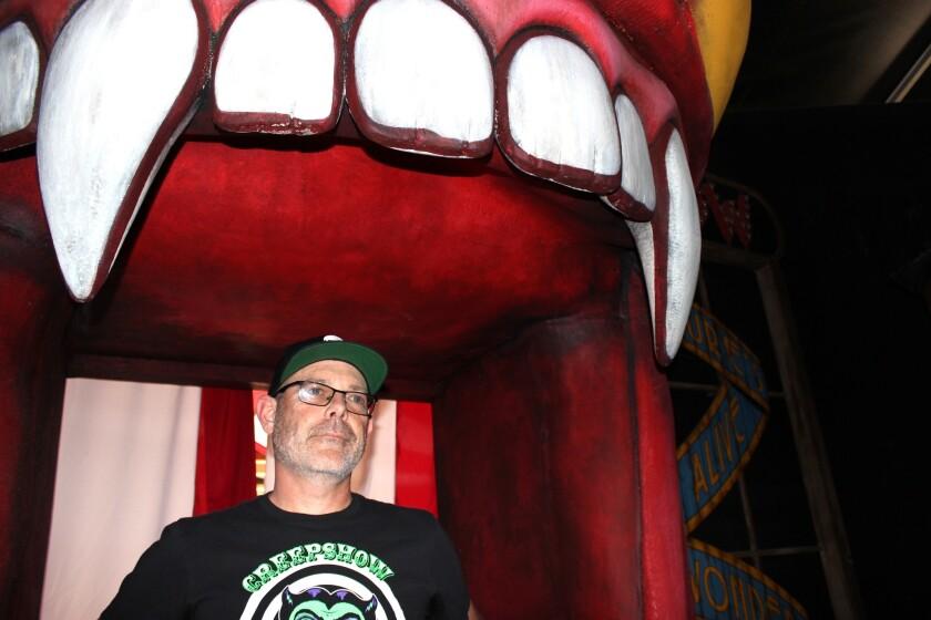 El director creativo de Halloween Horror Nights Hollywood, John Murdy, posa para nuestro lente durante un evento de prensa previo a la apertura del evento, que se producirá este fin de semana en Universal Studios.