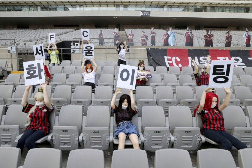 FC Seoul has apologized for using sex dolls in place of fans during its 1-0 win over Gwangju FC on Sunday at the Seoul World Cup stadium.