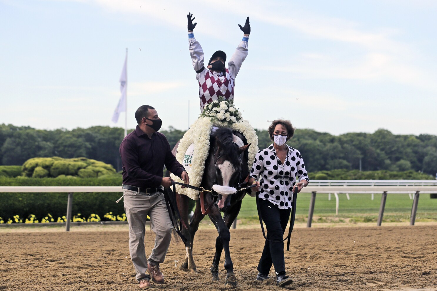 Tiz The Law cruises to victory in Belmont Stakes - Los Angeles Times