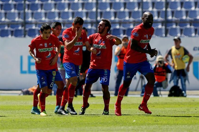 En la imagen, jugadores de Municipal de Guatemala. EFE/Archivo
