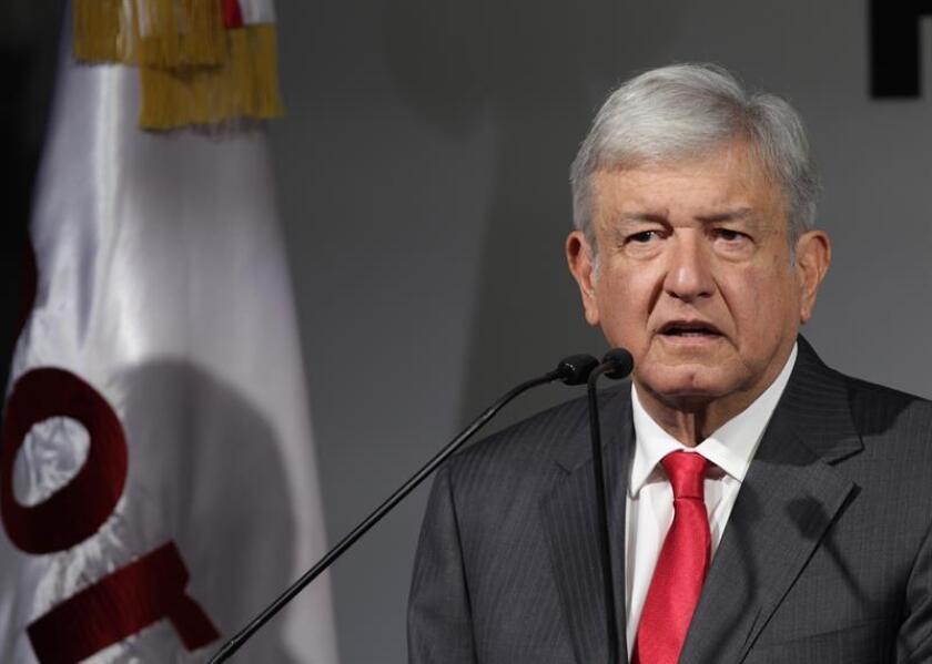 El candidato de Morena, el Partido del Trabajo (PT) y Encuentro Social (PES), Andrés Manuel López Obrador, participa durante una conferencia de prensa , en Ciudad de México (México). EFE/Archivo