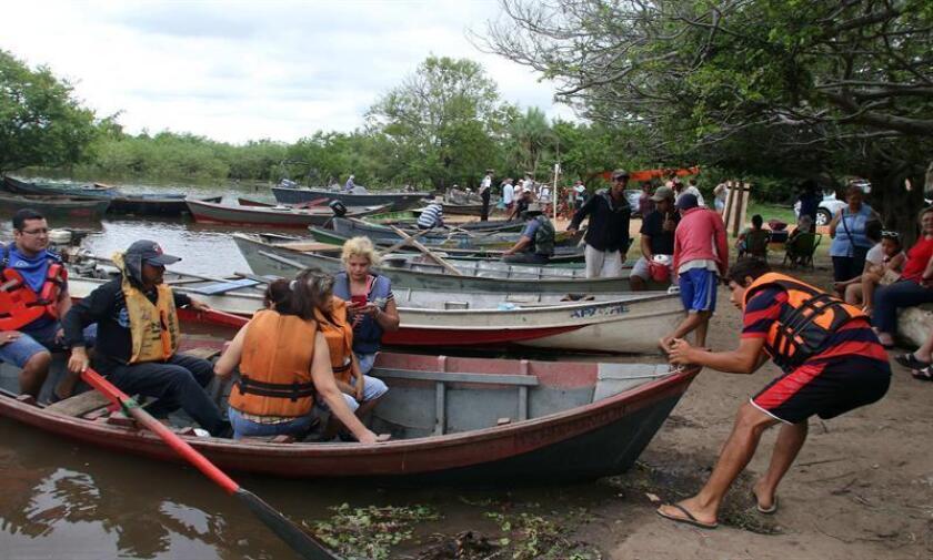 Los turistas y excursionistas extranjeros desembolsaron 619 millones de dólares durante el ejercicio pasado, mientras que los 2,5 millones de paraguayos que hicieron turismo interno en 2017 gastaron 155 millones de dólares. EFE/Archivo