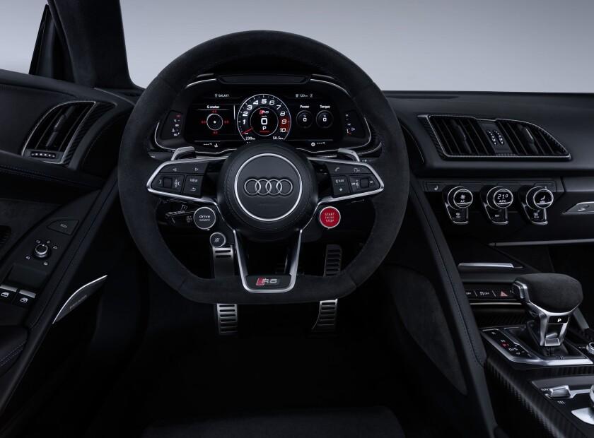 sd-ad-au-0512-AudiR8-2020-Interior.jpg