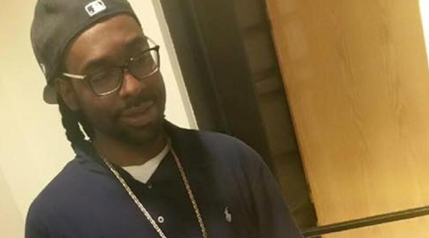 Philando Castile, de 32 años, fue abatido por la policía en la ciudad de Minessota dentro de su vehículo, luego de que presuntamente intentara sacar la billetera de uno de sus bolsillos para mostrarle su licencia al policía que lo detuvo.
