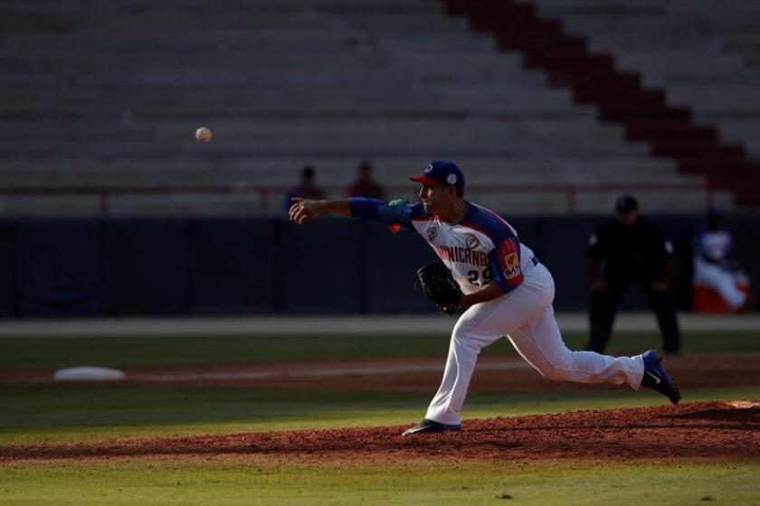 Paolo Espino República Dominicana lanza este viernes, durante un partido de la Serie del Caribe entre Toros de Herrera de Panamá y Estrellas Orientales de República Dominicana en el Estadio Nacional Rod Carew, en Ciudad de Panamá (Panamá). EFE