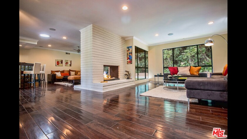 Actor Breckin Meyer's home in Hollywood Hills West had a Midcentury Modern vibe.