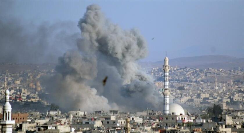 La coalición internacional liderada por el país y que combate el yihadismo en Siria e Irak admitió hoy la muerte de 53 nuevos civiles, con lo que ya son 1.114 los ciudadanos muertos por las acciones de la alianza desde el inicio de sus operaciones en agosto de 2014, informaron fuentes castrenses. EFE/Archivo