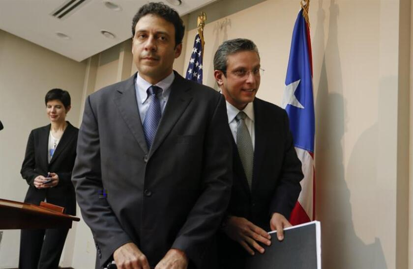 """El secretario de Estado de Puerto Rico, Víctor Suárez, admitió hoy que el FBI allanó la residencia donde viven su exesposa y sus dos hijos por sospecha de robo de identidad y crímenes cibernéticos, aunque las autoridades """"no encontraron nada"""", y criticó la manera de actuar de las fuerzas de seguridad. EFE/ARCHIVO"""