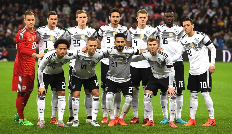 Alemania, vigente monarca mundial, puede alcanzar el récord de 5 Copas del Mundo que posee Brasil, hasta ahora único pentacampeón en los Mundiales. Los alemanes se coronaron en 1954, 1974, 1990 y 2014; la 'canarinha' triunfó en 1958, 1962, 1970, 1994 y 2002.