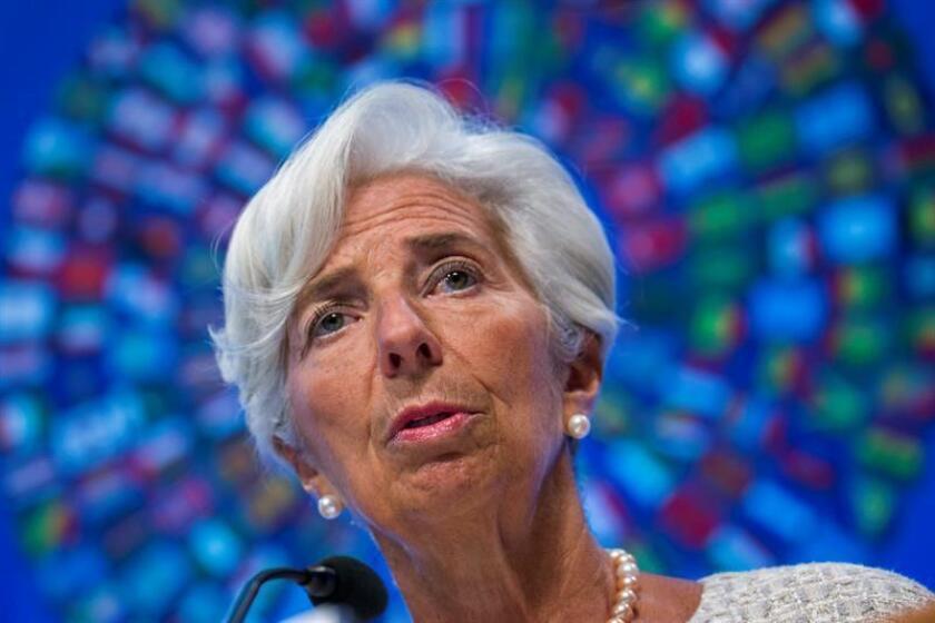 """El Fondo Monetario Internacional (FMI) celebró hoy el acuerdo entre Grecia y sus acreedores europeos para que la misión de supervisión de las instituciones vuelva a Atenas, pero insistió en que """"serán necesarios más avances para salvar las diferencias"""" en otros temas dentro del programa de rescate. EFE/ARCHIVO"""