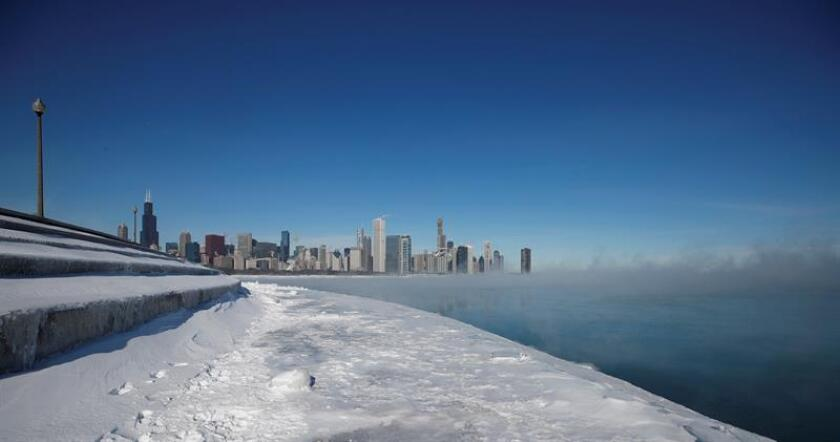 The city of Chicago with fog rising from Lake Michigan caused by low temperaturas on Jan. 31,2019 in Chicago, Illinois (United States).Polar blast blamed for a dozen deaths in midwestern US EPA-EFE/ Kamil Krzaczynski