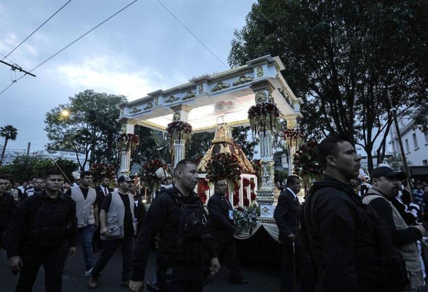 Fotografía de archivo del 12 de octubre de 2018, que muestra a peregrinos durante una romería en el municipio de Zapopan, en la ciudad de Guadalajara Jalisco (México). EFE