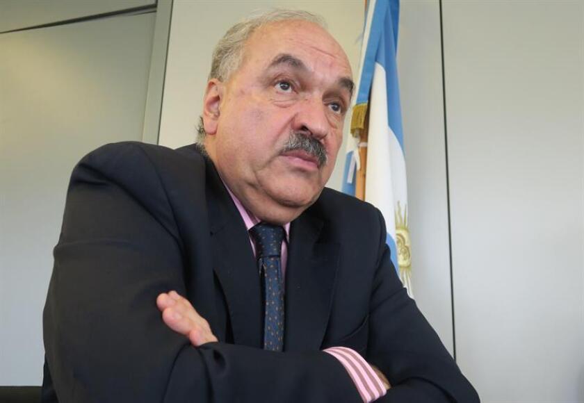 El negociador jefe de Argentina en el G20, Pedro Villagra, reacciona en un encuentro con medios internacionales hoy, en Buenos Aires (Argentina). EFE