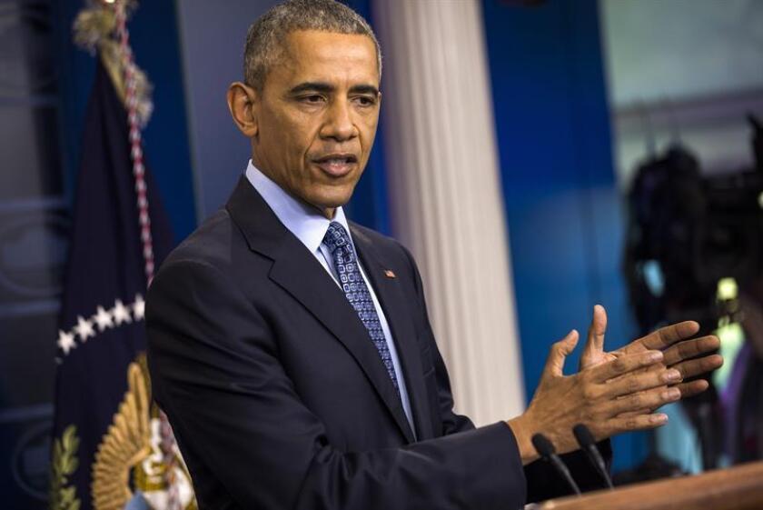 En su último día en el poder, el presidente, Barack Obama, estableció hoy un nuevo récord al conmutar las sentencias de 330 presos condenados por delitos no violentos relacionados con las drogas, con lo que ha acortado más sentencias que sus 13 predecesores juntos. EFE/ARCHIVO