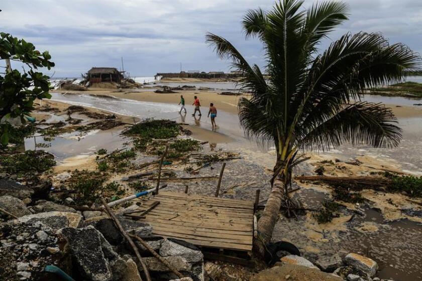 Vista general de los daños que dejo a su paso el Huracán Bud en las costas del puerto de Acapulco, Guerrero (México). EFE