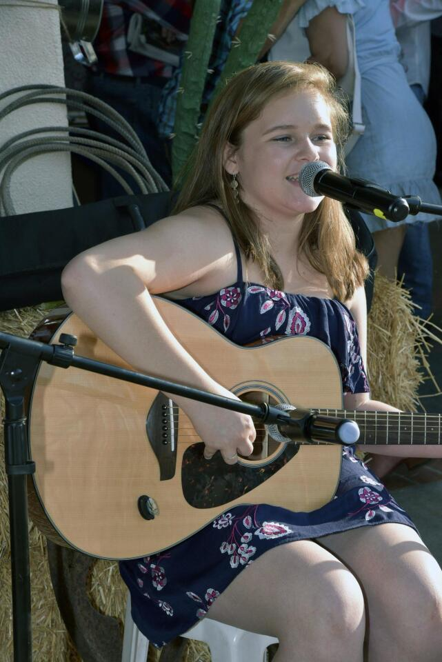 Singer/guitarist Elizabeth Murphy