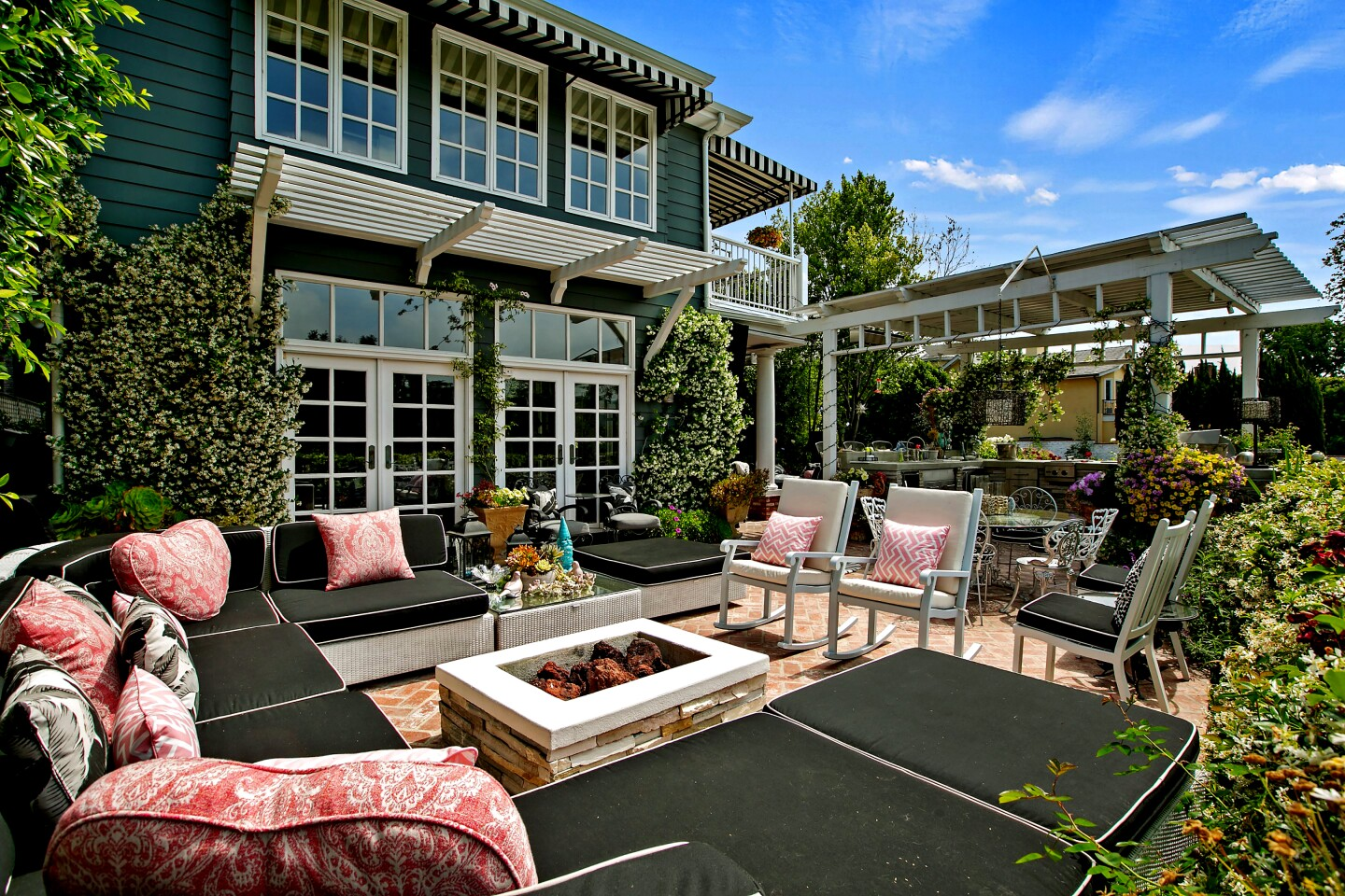 Actress Kirsten Dunst found a buyer for her longtime home in Toluca Lake in fellow actress Annie Potts. The charming traditional-style home, which sits on a lakeside lot with a swimming pool, sold for $4.55 million after hitting the market in June for $4.7 million. The 4,333-square-foot house features a vaulted-ceiling living room with a fireplace, a custom kitchen and a family room that opens to the backyard. Outside, living and entertaining spaces include a custom-built gazebo, various patios and a built-in barbecue. There's also a private dock.