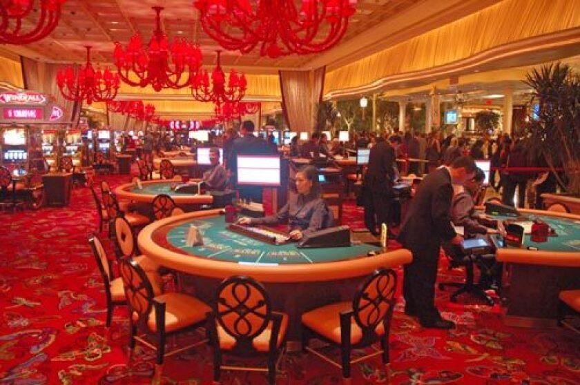 Nevada Orders All Casinos Bars Restaurants Closed As U S Coronavirus Cases Surge Los Angeles Times