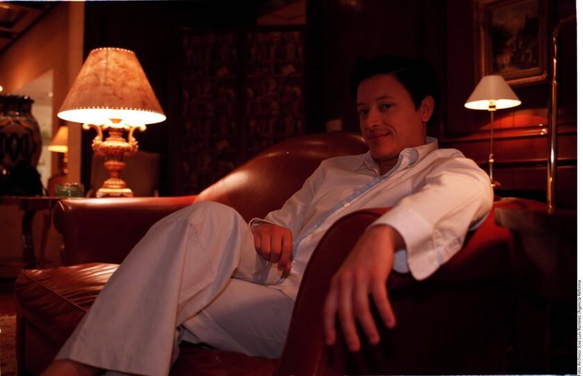 """La canción """"Escápate"""", según anunció Elvis Crespo a través de su cuenta de Twitter la semana pasada, se puede descargar gratis."""
