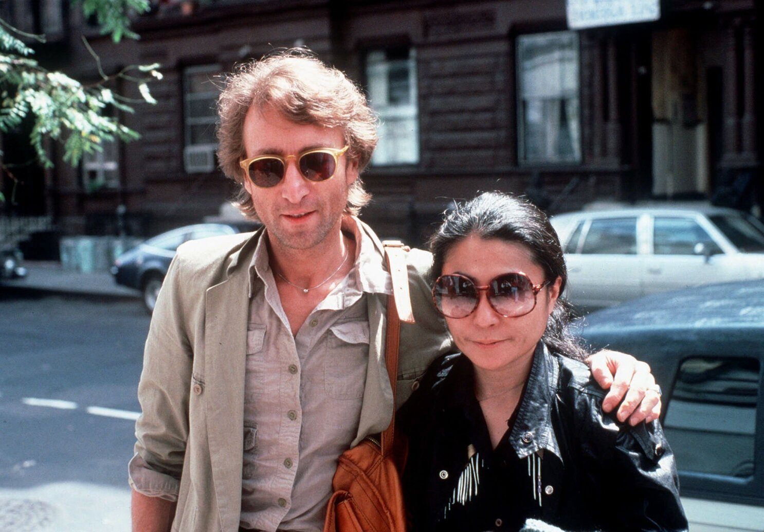 John Lennon He Doesn T Believe In Magic Or Beatles Los Angeles Times