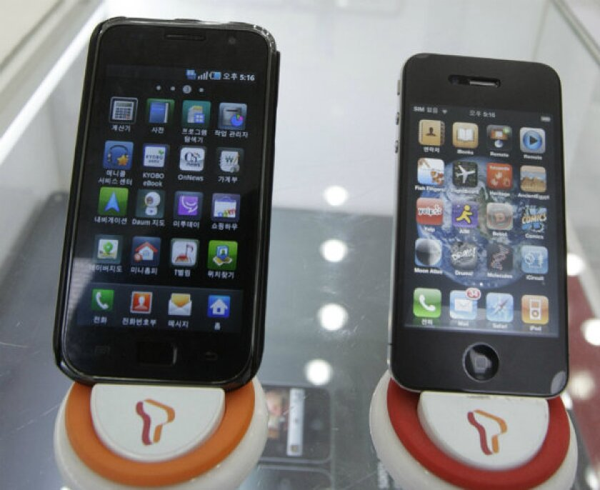 Patent litigation between Apple and Samsung took a new twist Friday.