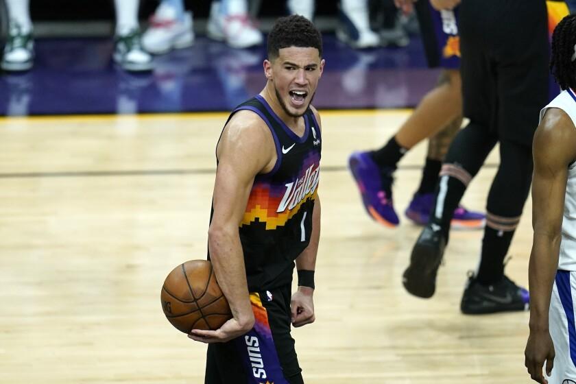 El base de los Suns de Phoenix, Devin Booker.