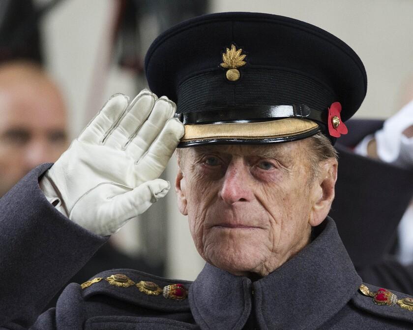 ARCHIVO - En esta foto del 11 de noviembre de 2013, el príncipe Felipe de Inglaterra