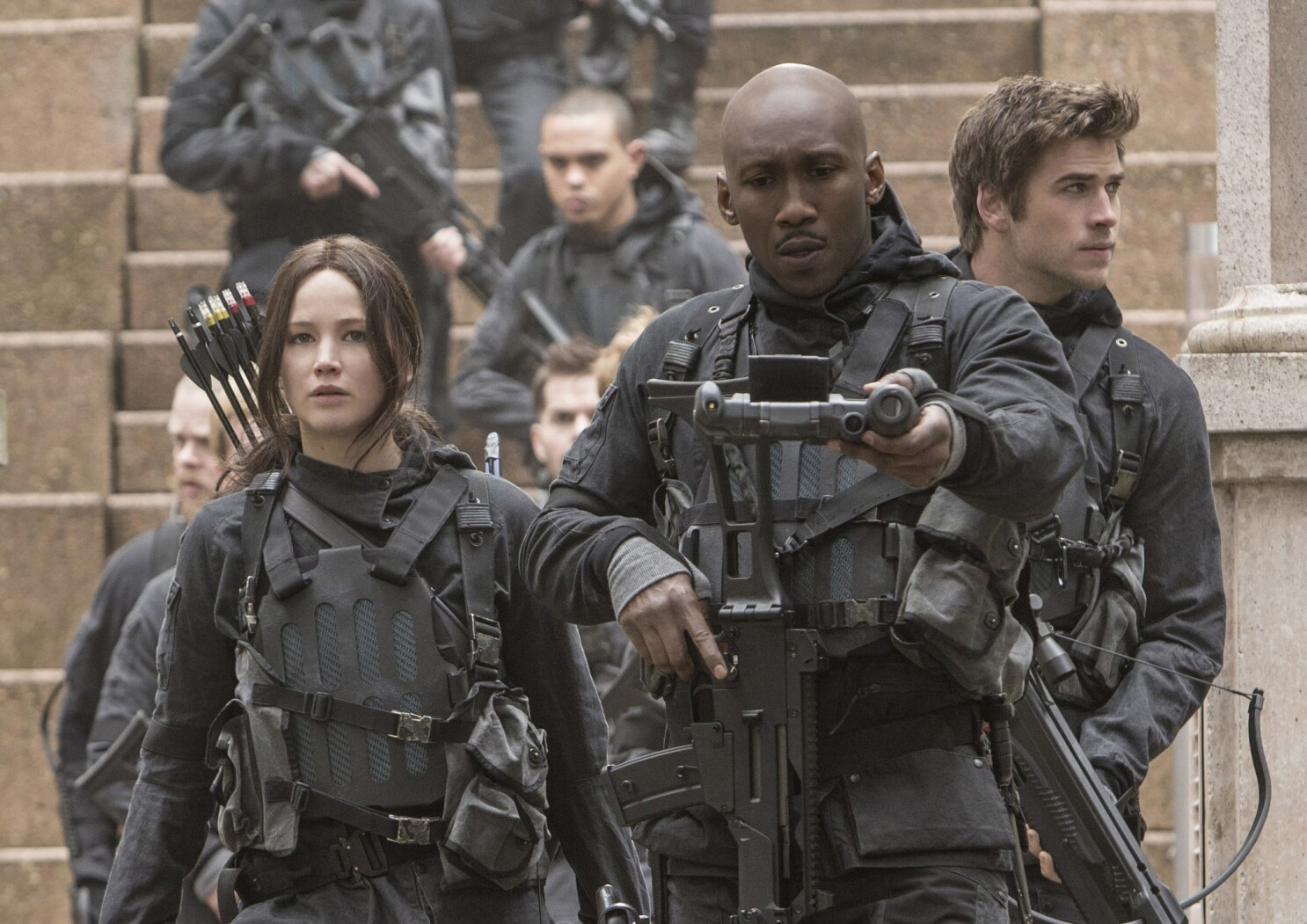 Dressing Out Of A Footlocker And Other Costume Challenges In The Hunger Games Mockingjay Part 2 Los Angeles Times