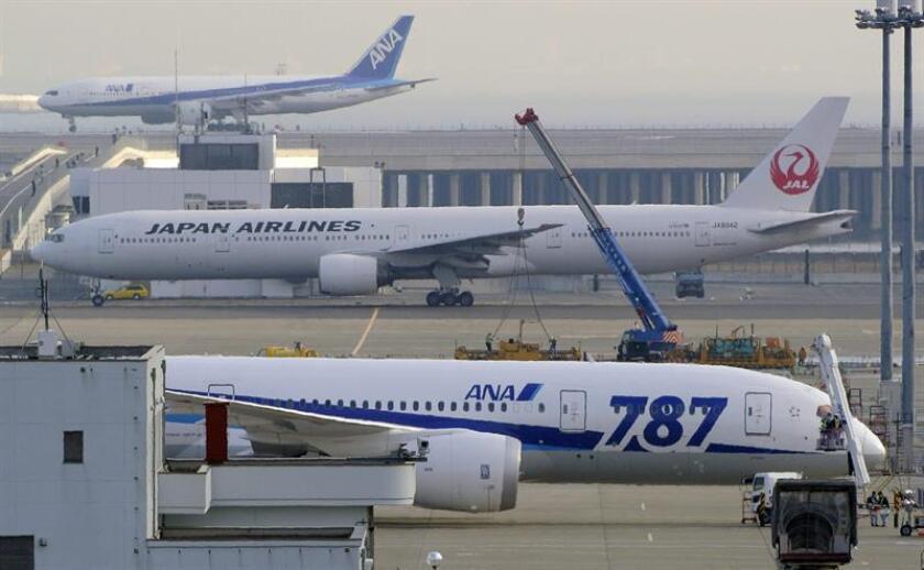 Varios aviones de la aerolínea All Nippon Airways Co. (ANA) en el aeropuerto Haneda en Tokio, Japón. EFE/Archivo