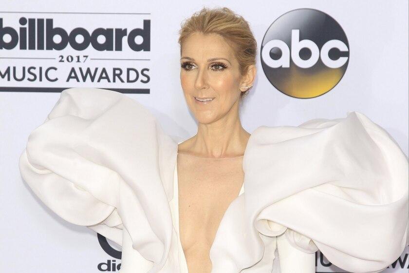 Fotografía de archivo fechada el 21 de mayo de 2017 que muestra a la cantante canadiense Celine Dion mientras posa en los premios Billboard en Las Vegas (Estados Unidos).
