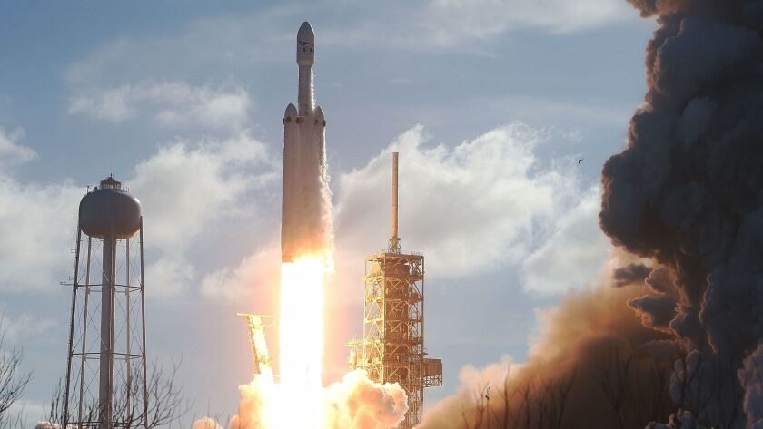 BESTPIX - SpaceX To Launch First Heavy Lift Rocket In Demonstration Mission