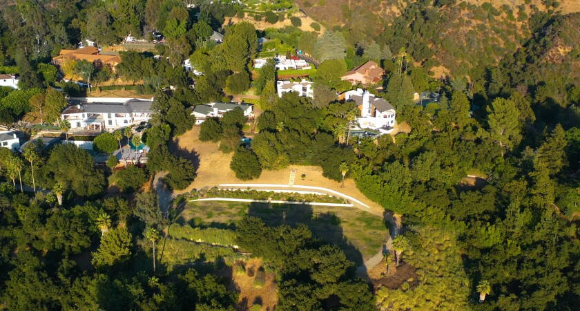 A 3.4-acre estate with a remodeled Midcentury home of 3,500 square feet.