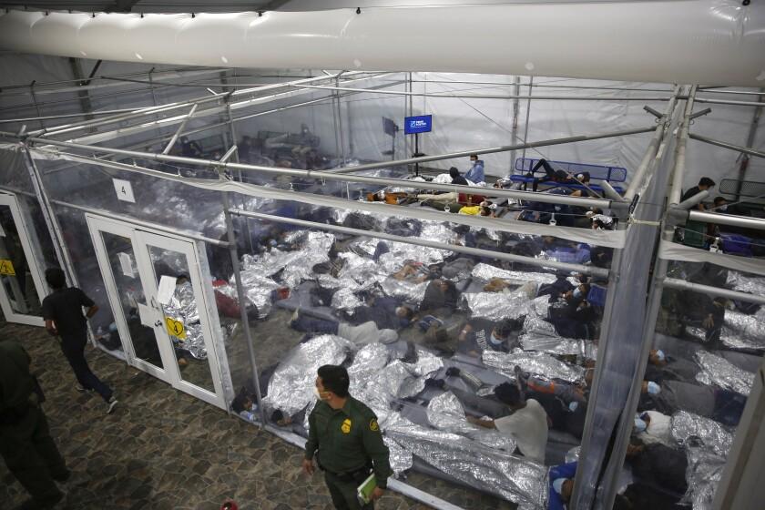 Foto del 30 de marzo del 2021 que muestra la condiciones en que son alojados menores de edad